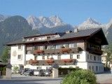 Pension Auer - Appartements mit Bergblick in Lofer